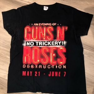 Tops - Guns N Roses Concert Staff Tee (L) Limited Edition
